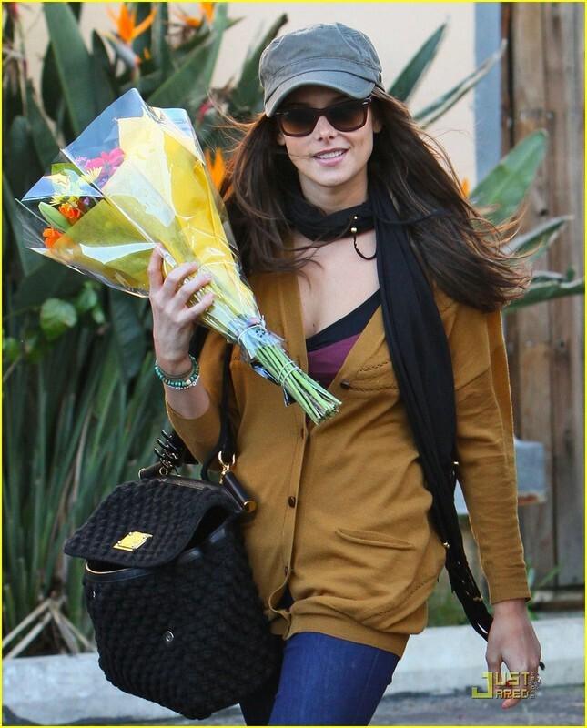 Эшли Грин с подругой в Лос-Анджелесе