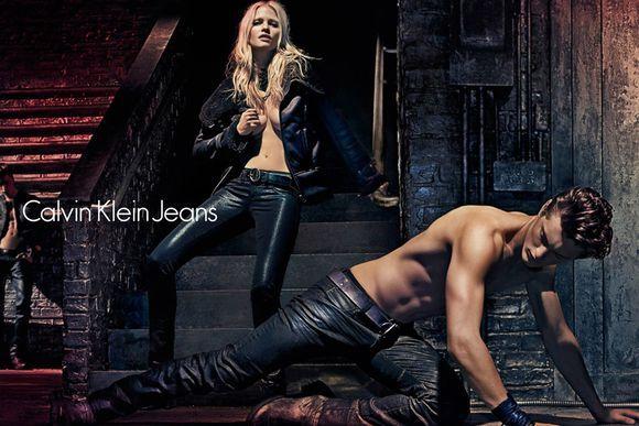 Лара Стоун в рекламной кампании Calvin Klein. Осень / зима 2012-2013