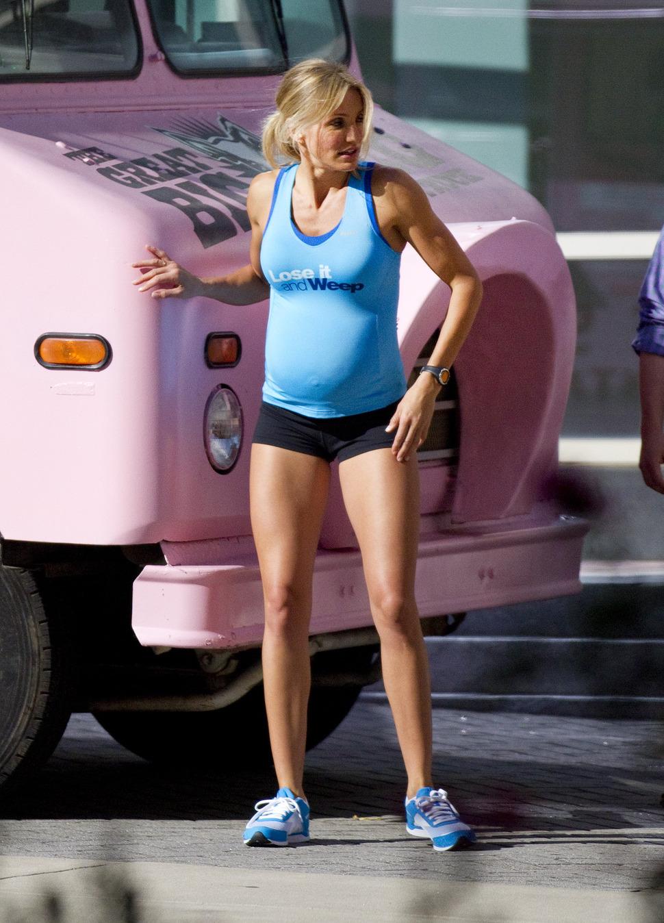 """Беременная Кэмерон Диаз на съемках фильма """"Что ждать, когда ждешь ребенка"""""""