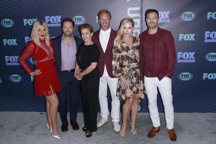 Звезды сериала «Беверли Хиллз 90210» объяснили, чего ждать от ребута: «Мы играем самих себя»