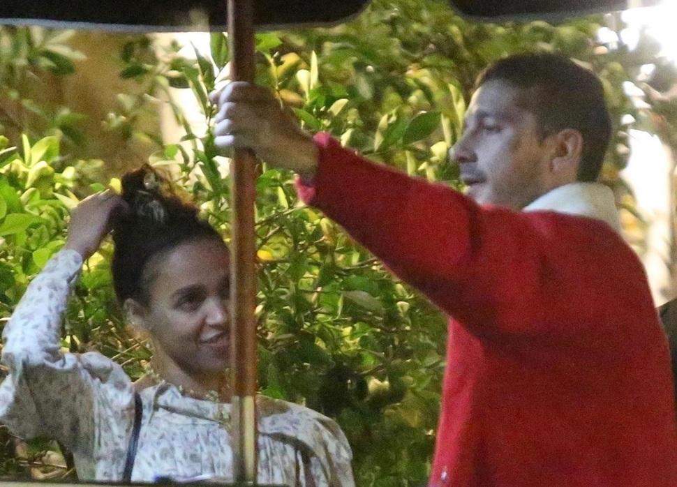 Шайа ЛаБаф и FKA Twigs отпраздновали первое совместное Рождество
