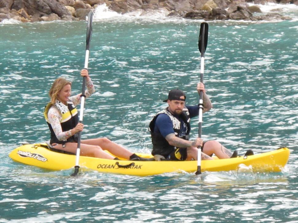 Камерон Диаз и Бенджи Мэдден на пляже Корсики