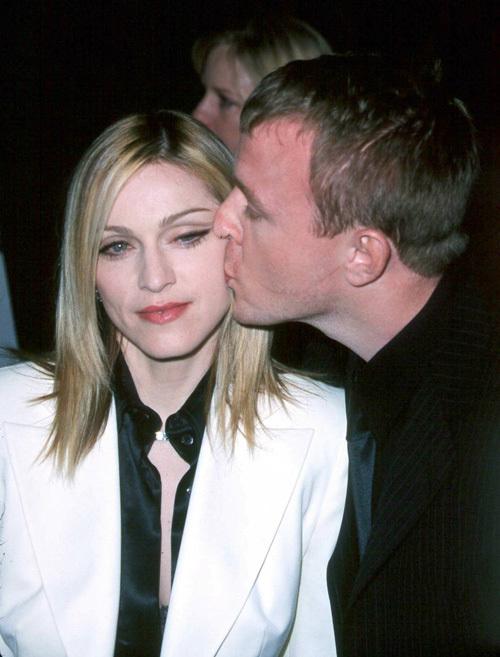 Мадонна жалеет о разводе с Гаем Ричи?