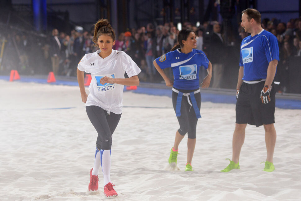 Звезды на турнире DIRECTV Celebrity Beach Bowl
