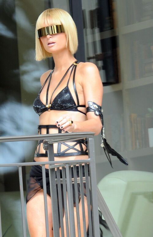 Пэрис Хилтон: фотосессия в стиле Lady GaGa