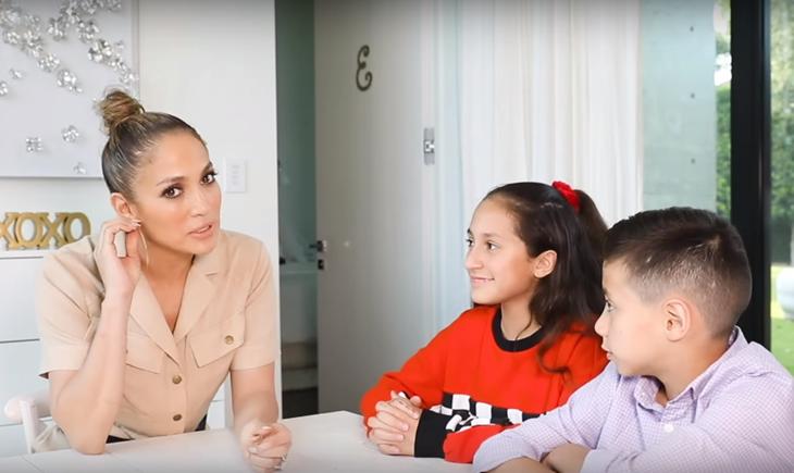 Дженнифер Лопес извинилась перед друзьями за советы по воспитанию детей