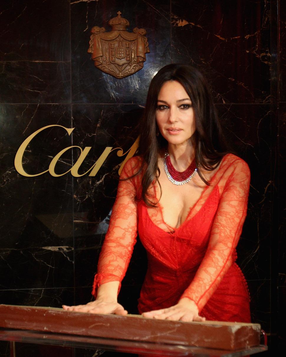 Моника Беллуччи на открытии бутика Cartier в Дубай