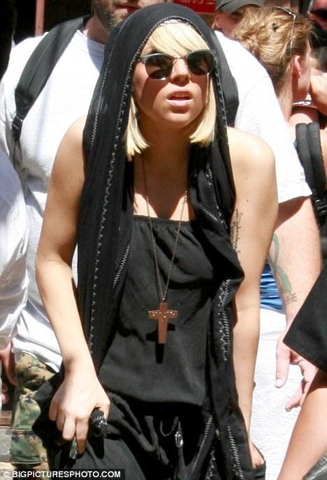 Lady GaGa гуляет в Иерусалиме