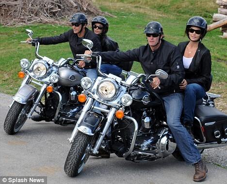 Джордж Клуни знакомит свою новую девушку с друзьями