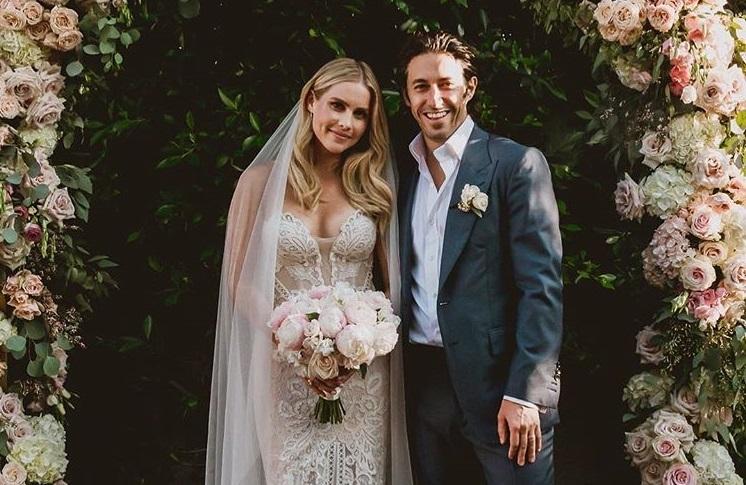 Звезда «Древних» Клэр Холт вышла замуж