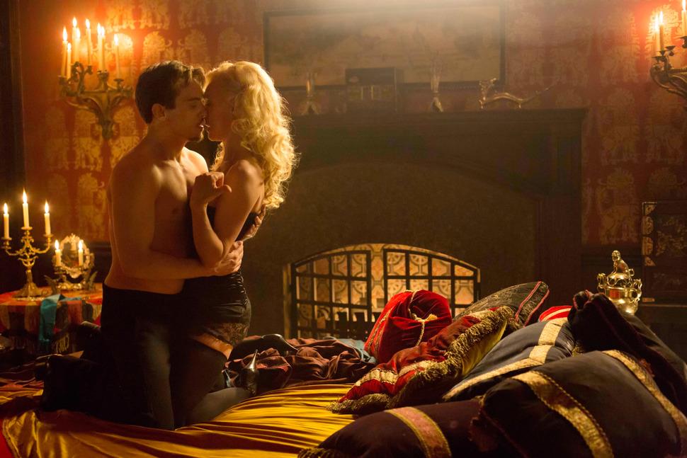 Джонатан Рис Майерс не надевает белье на съемки постельных сцен