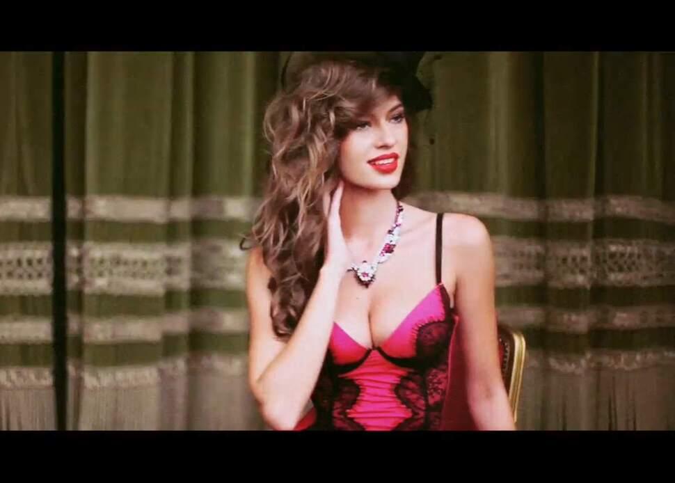 Burlesque: рождественский рекламный ролик от INCANTO