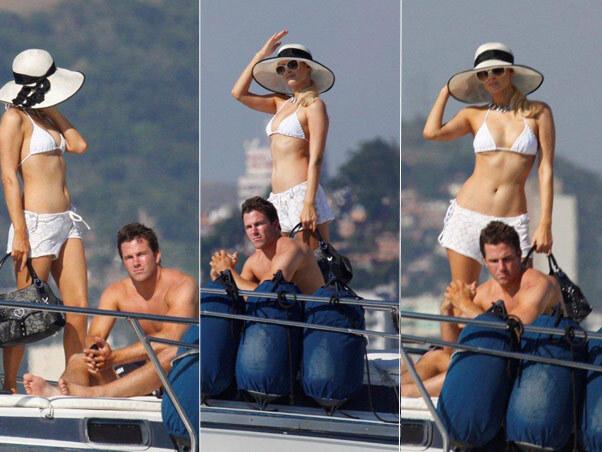 Пэрис Хилтон отдыхает на яхте в Рио