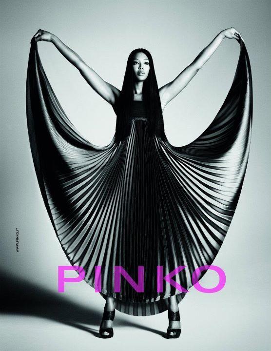 Первый взгляд: Наоми Кэмпбелл для Pinko, Жизель Бундхен для Versace