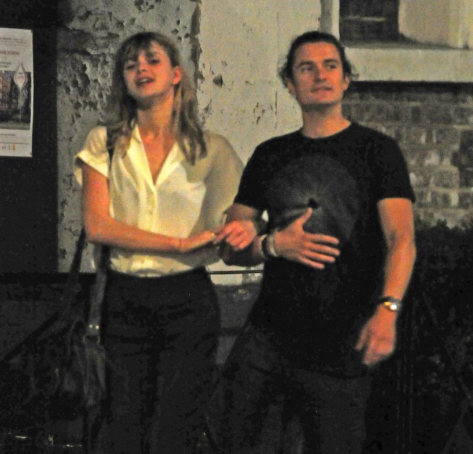 Миранда Керр отрицает слухи о романе Орландо Блума