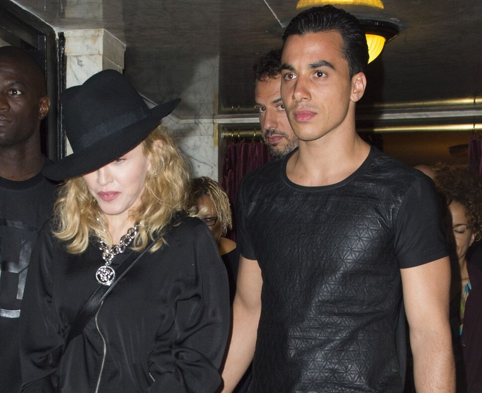 Мадонна рассталась с бойфрендом