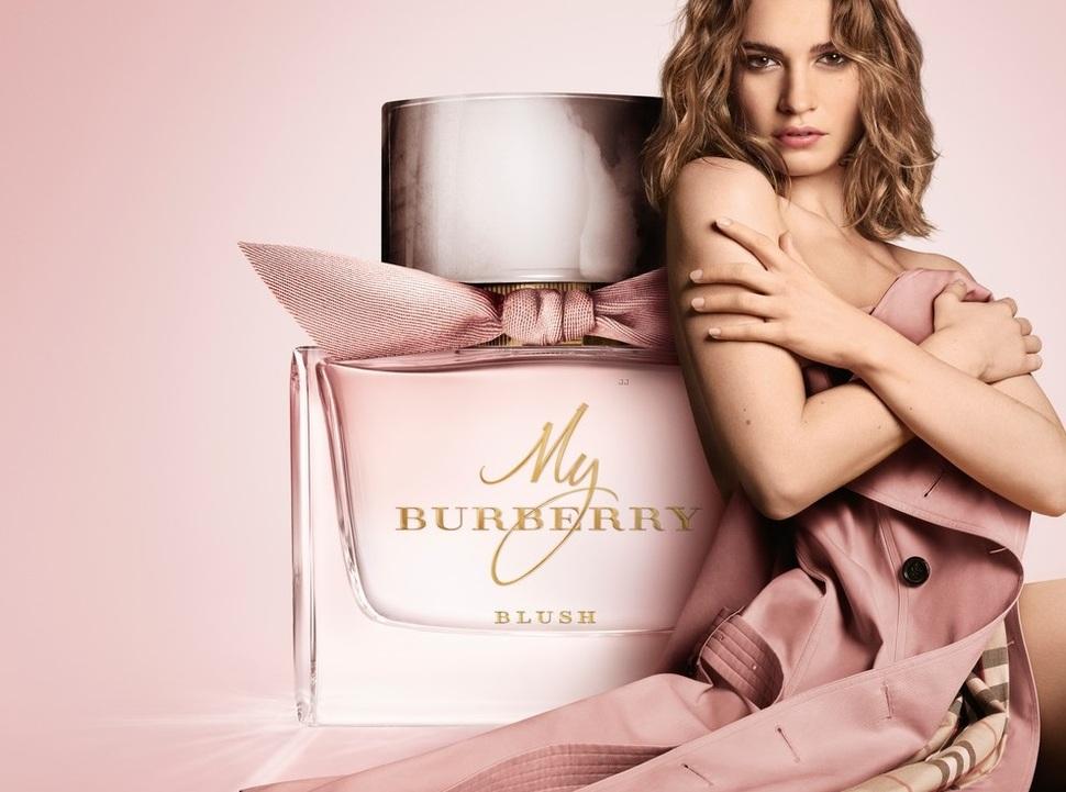 Лили Джеймс снялась в рекламе нового аромата Burberry