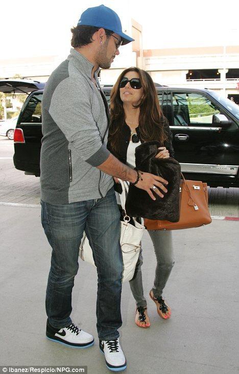 Ева Лонгория и Эдуардо Крус в аэропорту Лос-Анджелеса
