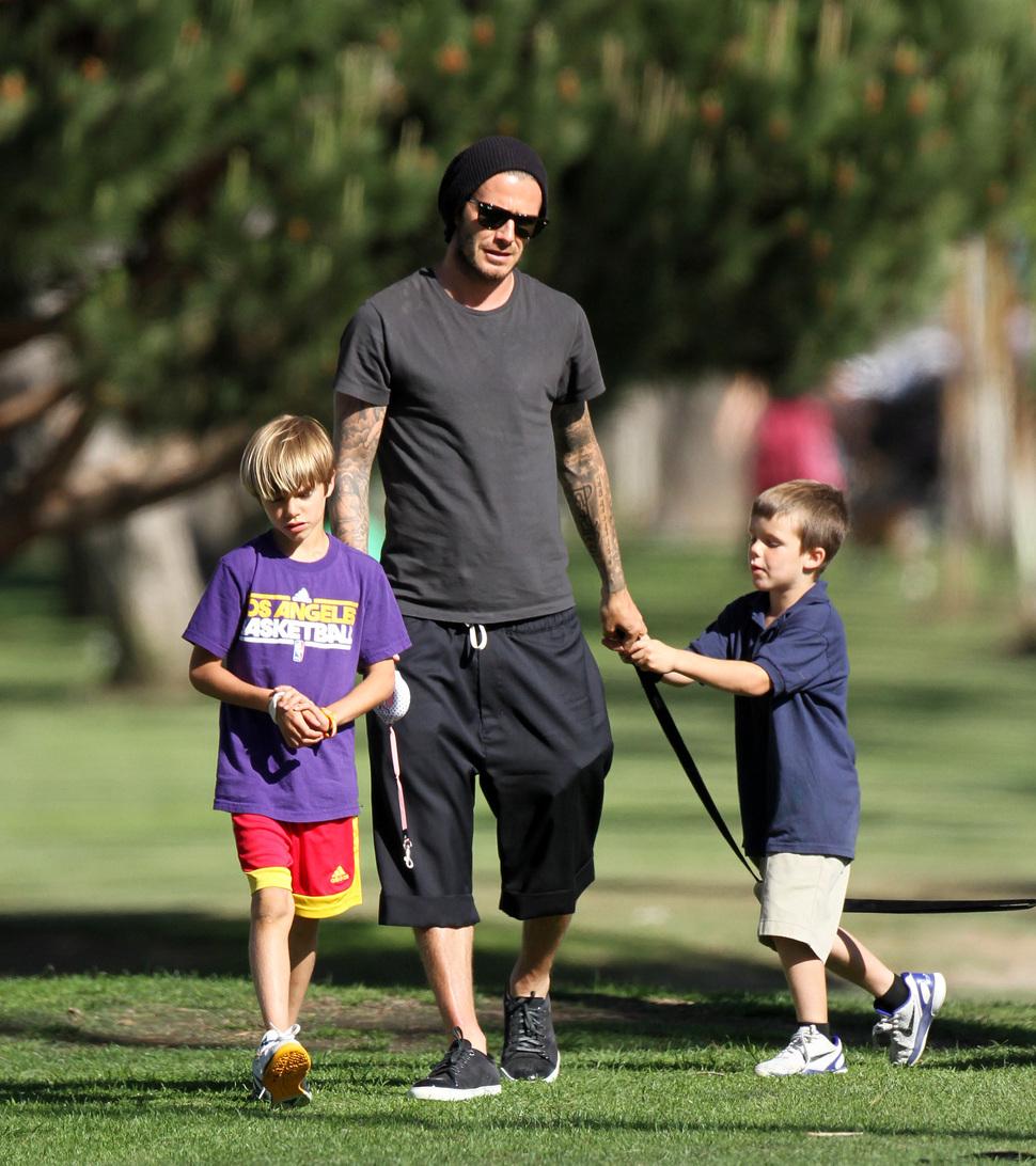 Дэвид Бэкхем с семьей в Санта-Монике
