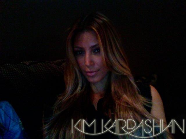 Ким Кардашян стала блондинкой