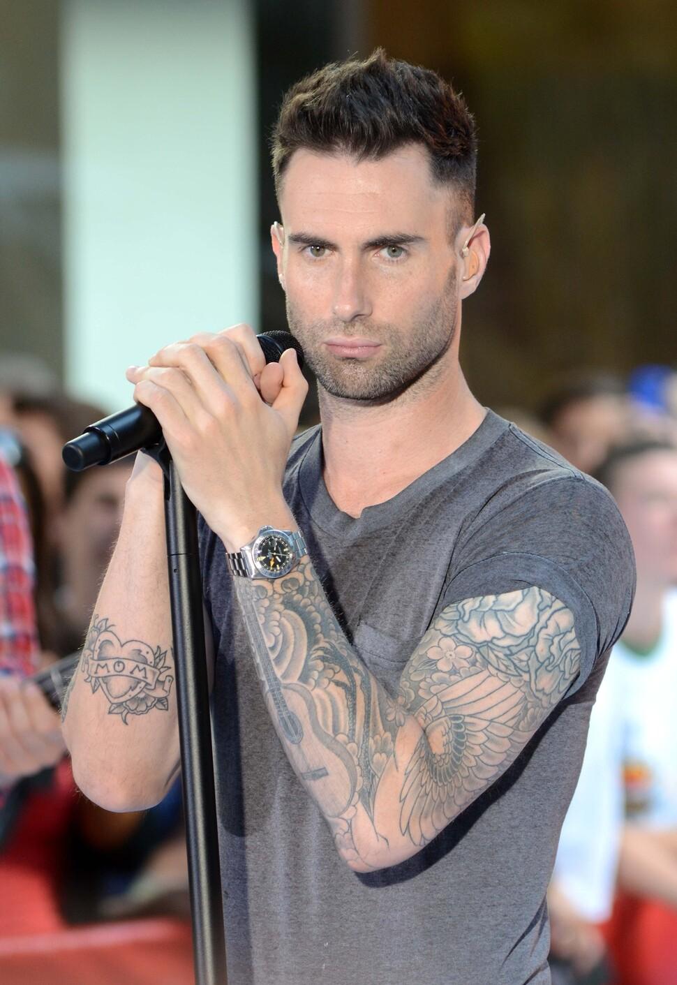 adam levine tattoos - 640×960