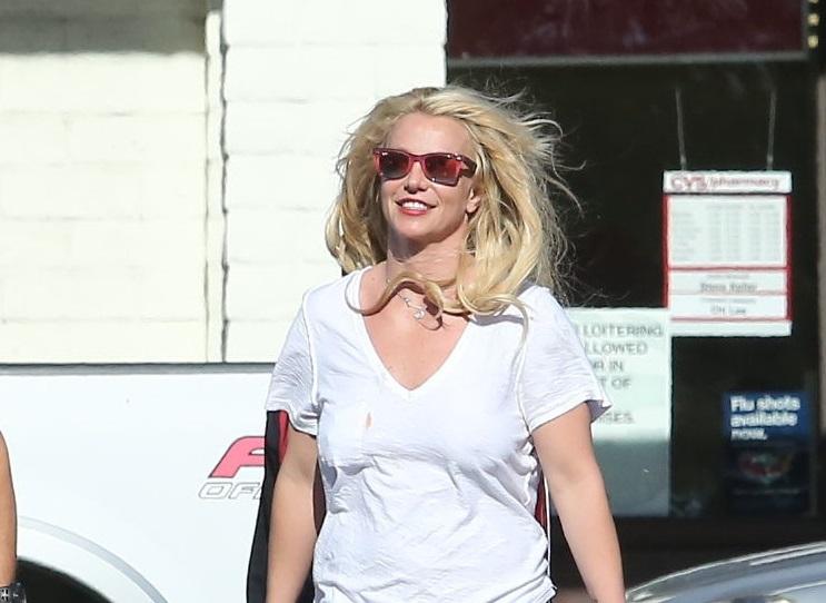 Опять за свое: Бритни Спирс удивила поклонников неряшливым внешним видом