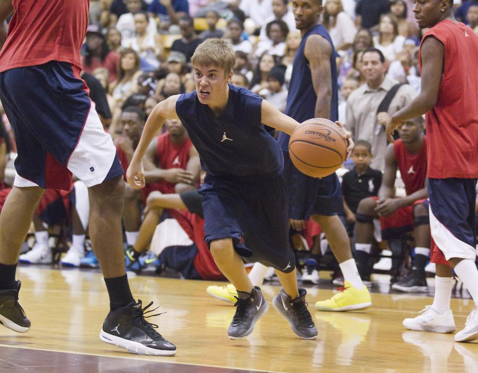 Благотворительный баскетбольный матч с участием Джастина Бибера
