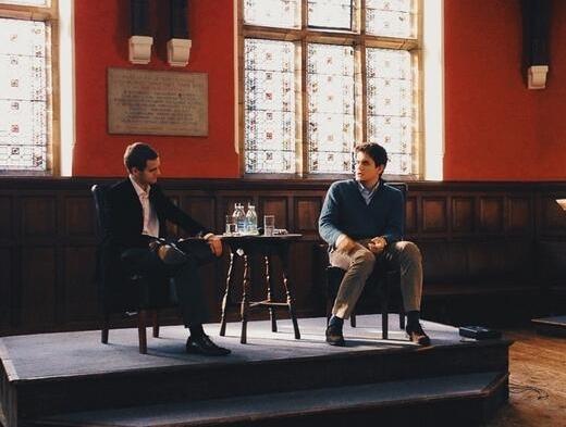 Джон Майер выступил с речью в Оксфорде