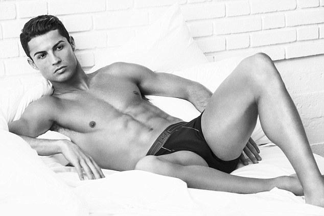 Криштиану Роналду в новой рекламной кампании нижнего белья CR7 Underwear