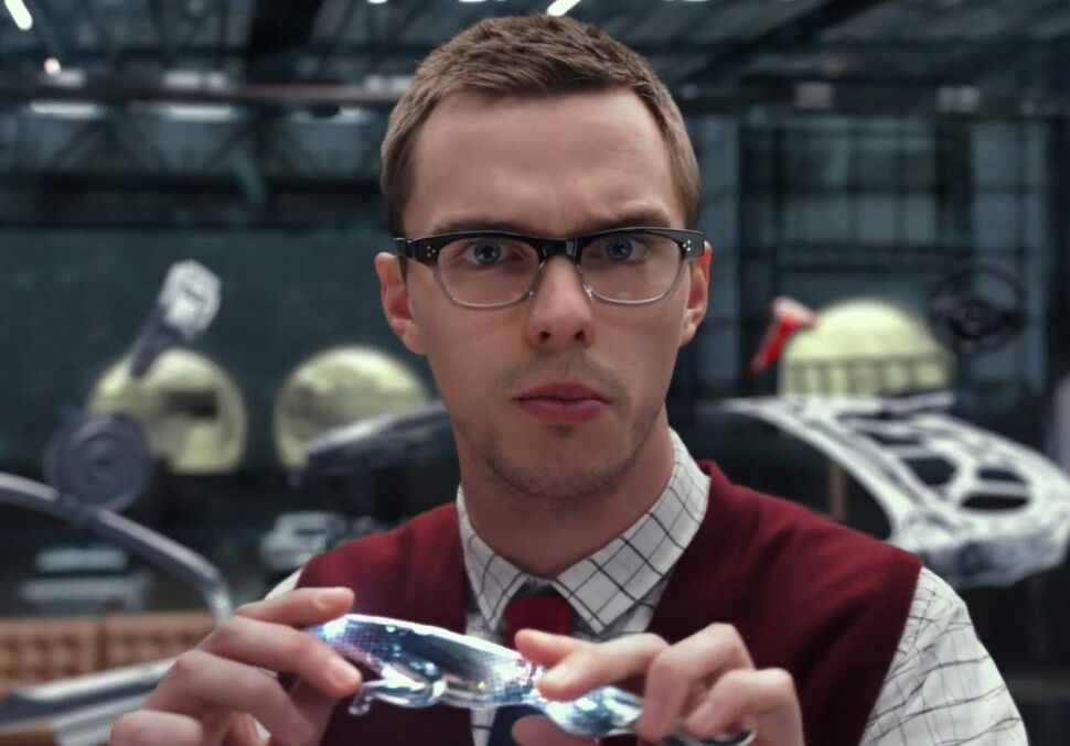 Николас Холт в рекламной кампании Jaguar