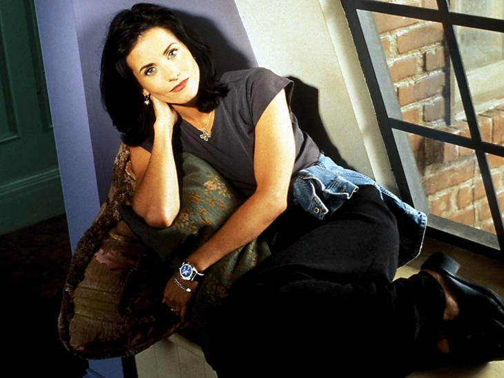 Кортни Кокс вернулась в дом «Друзей» спустя 15 лет со дня завершения сериала