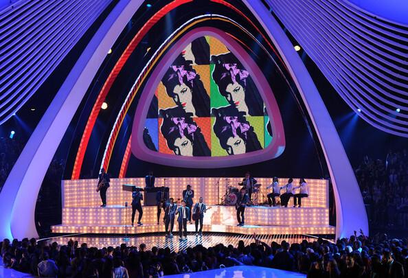 Премия MTV Video Music Awards 2011