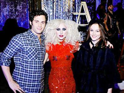 Lady Gaga на съемочной площадке сериала «Сплетница»