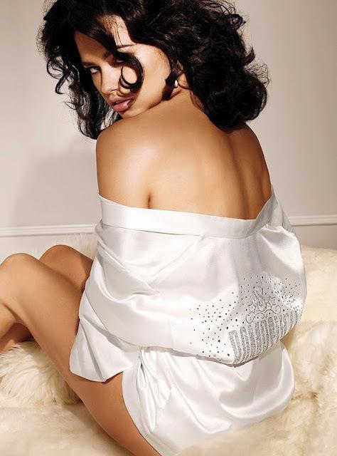 Адриана Лима в лукбуке Victoria's Secret Lingerie
