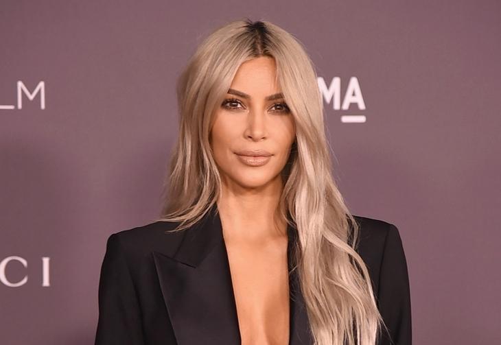 Ким Кардашьян сменила название своего бренда Kimono под давлением оскорбленных японцев