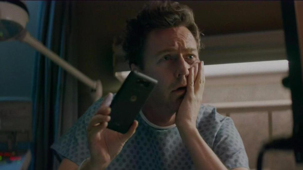 Эдвард Нортон в рекламе Verizon Droid