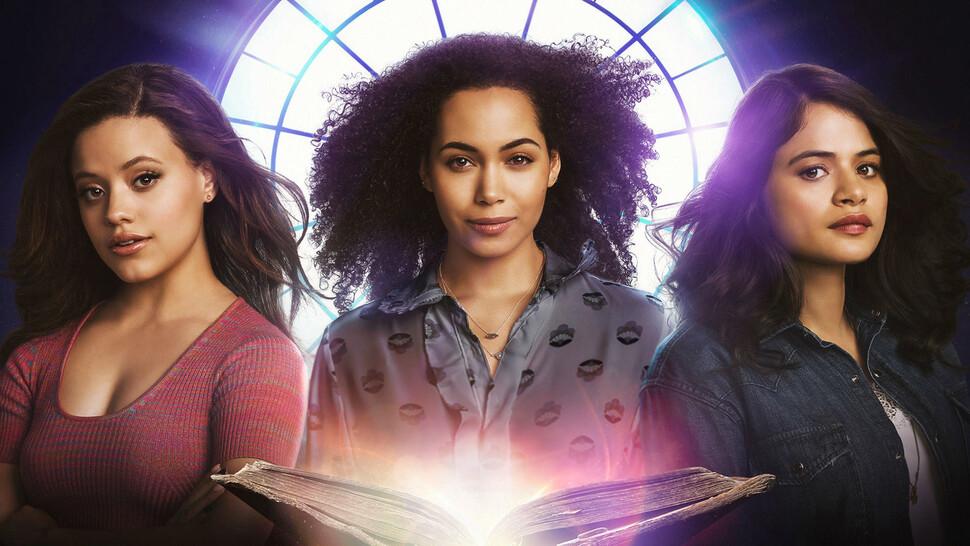 Ремейк «Зачарованных» продлили на 2 сезон, несмотря на критику фанатов