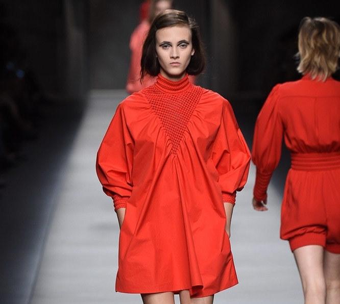 Модный показ новой коллекции Fendi. Весна / лето 2016