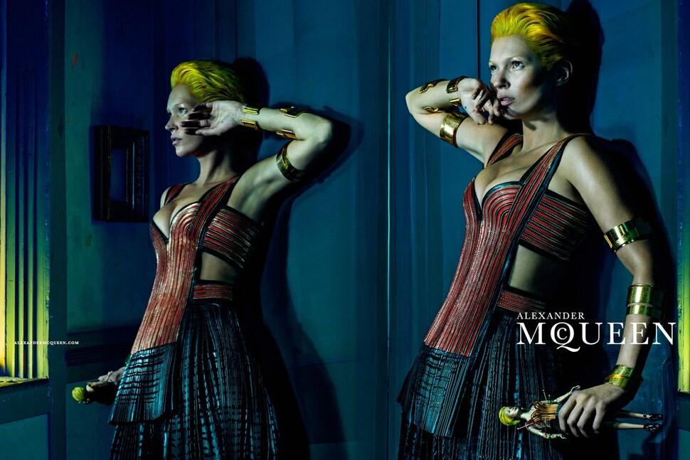 Кейт Мосс в рекламной кампании Alexander McQueen. Весна / лето 2014