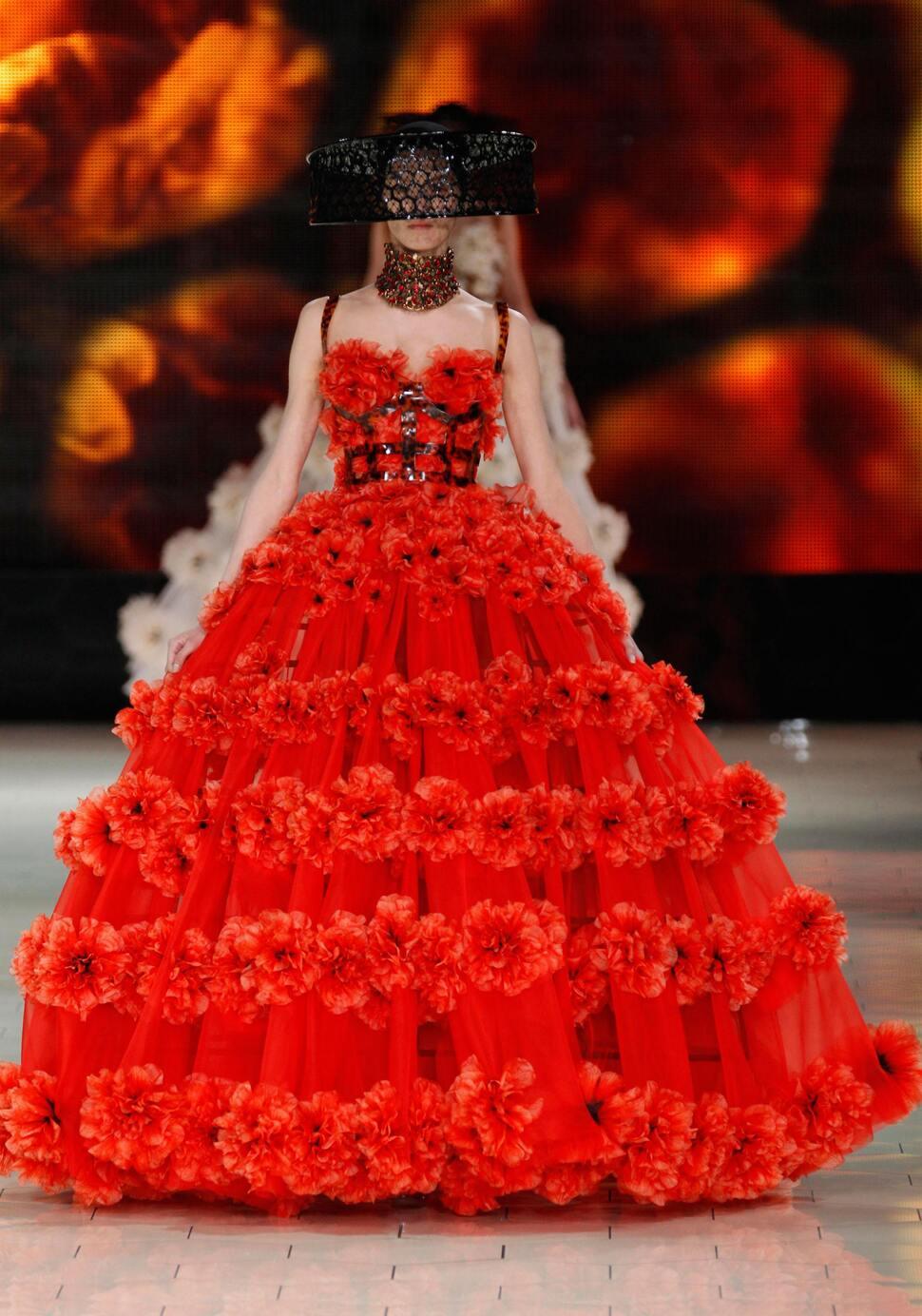 Модный показ Alexander McQueen. Весна / лето 2013