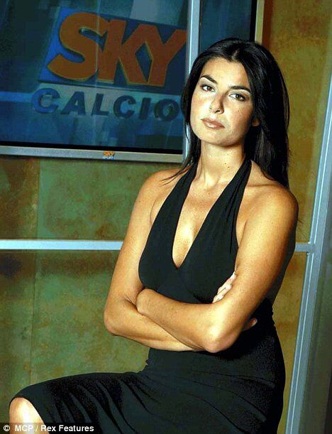 Виктория Бэкхем запретила мужу давать интервью красивой журналистке