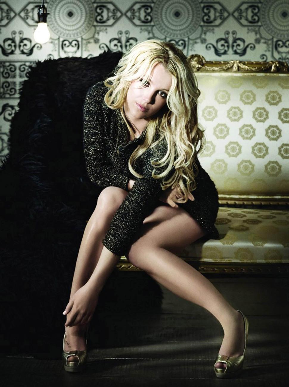 "Промо-фото Бритни Спирс к новому альбому ""Femme Fatale"""