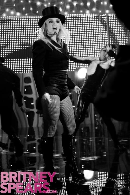 Выступление Бритни Спирс в Японии