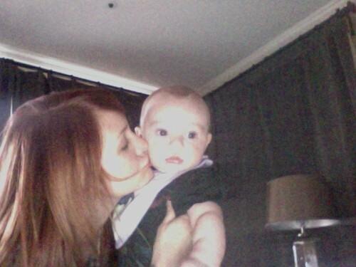 Новое фото ребенка Эшли Симпсон
