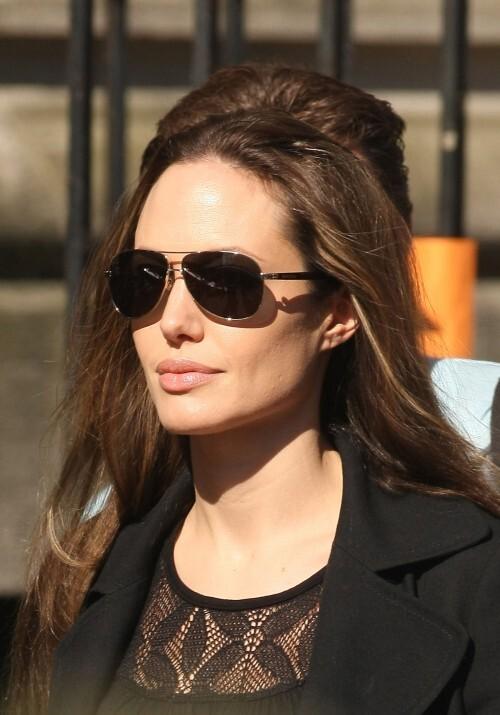 Анджелина Джоли может стать лицом духов от Armani