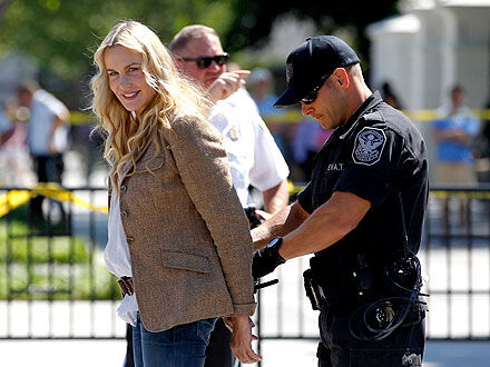 Дэрил Ханну арестовали за протест в Вашингтоне