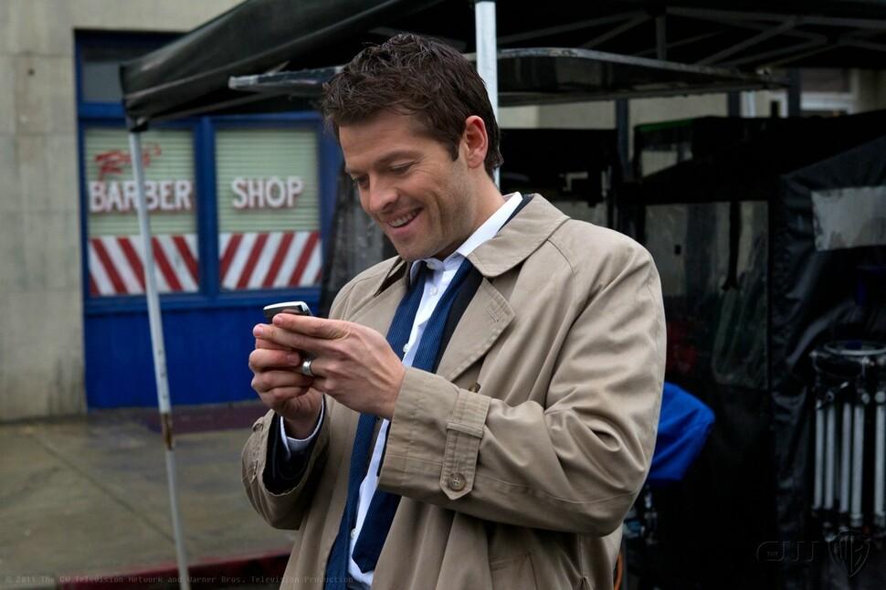 Звезда «Сверхъестественного» Миша Коллинз оставил номер телефона для всех, кто хочет спойлеров