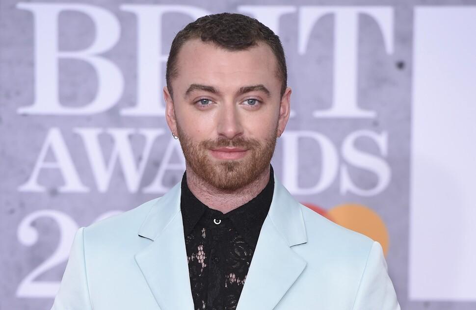 Из-за Сэма Смита разделение на мужские и женские номинации на Brit Awards могут отменить