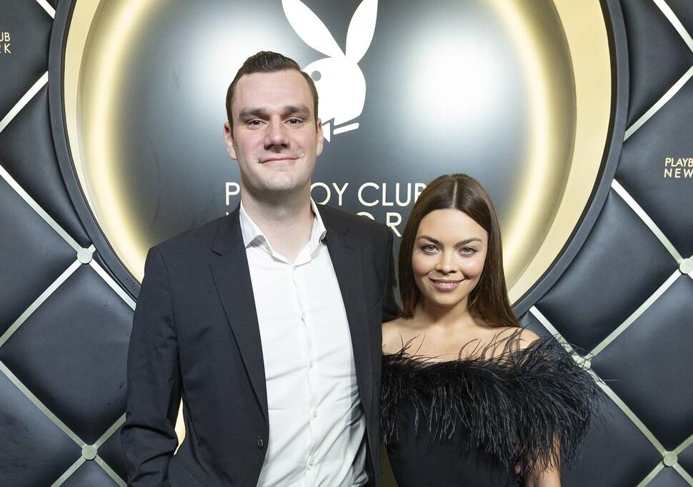 Поздравляем Пэнси Паркинсон: звезда «Гарри Поттера» вышла замуж за сына основателя Playboy