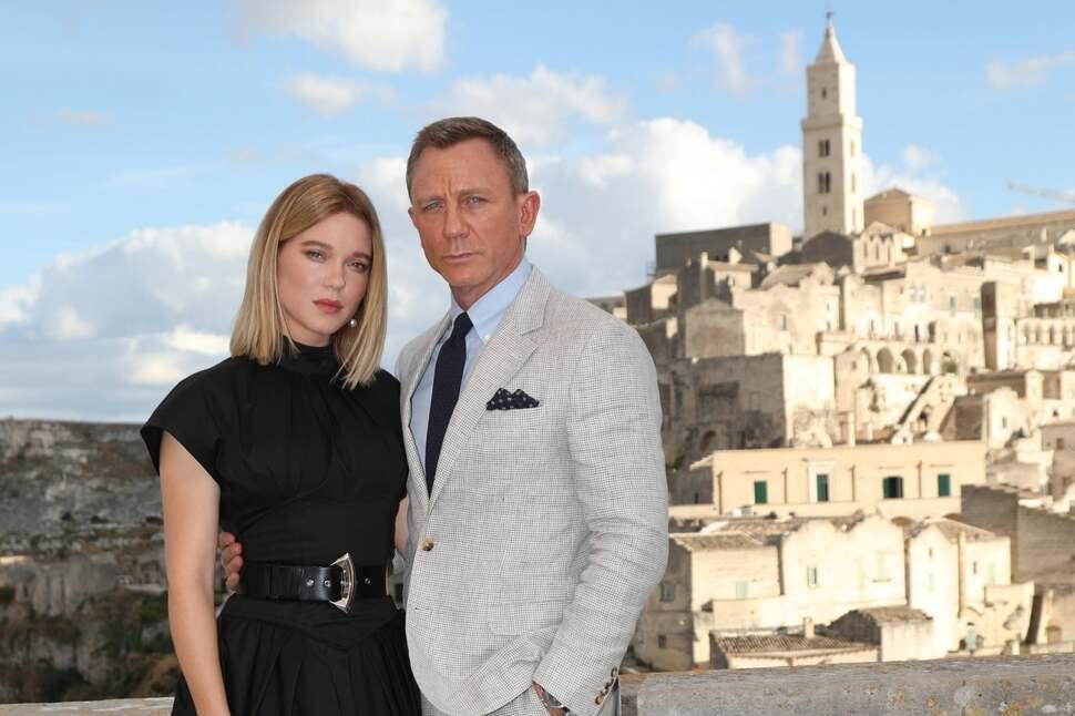 Когда сценарист — феминистка: девушка Бонда выйдет замуж за агента 007, но сохранит фамилию